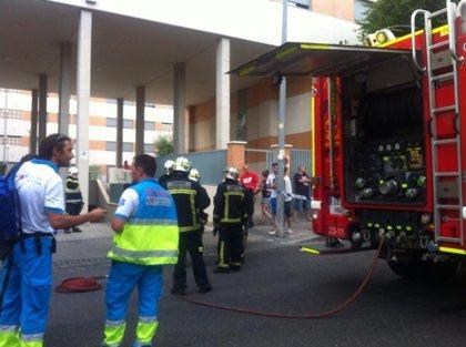 Un incendio en un garaje de Rivas Vaciamadrid deja dos vehículos quemados