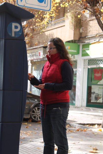 El parquímetro se puede pagar desde este martes en metálico, con tarjeta y con el teléfono móvil