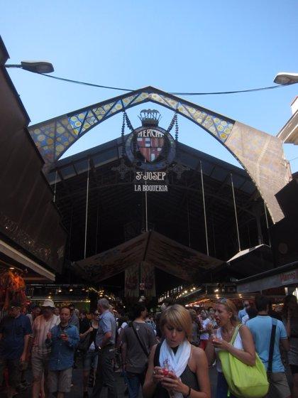 Barcelona subvenciona con 47.800 euros a 13 mercados para la promoción de sus actividades