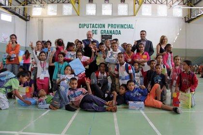 Presidente de Diputación recibe a los niños saharauis que llegan en verano gracias a familias de 40 municipios