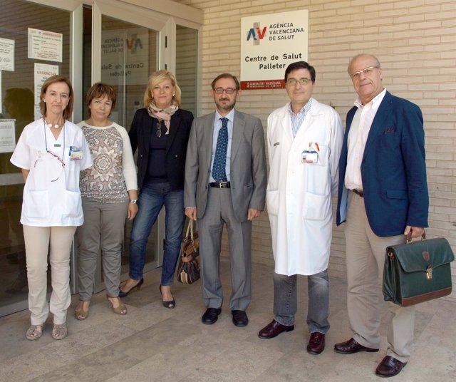 Javier Peñarrocha Durante La Visita Al Centro De Salud Pelleter