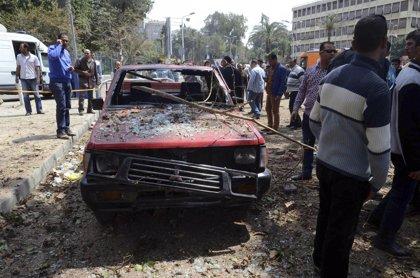 Muere otro policía en una segunda explosión en El Cairo