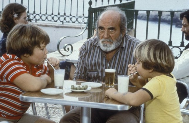 Chaquete con Piraña y Tito en Verano azul