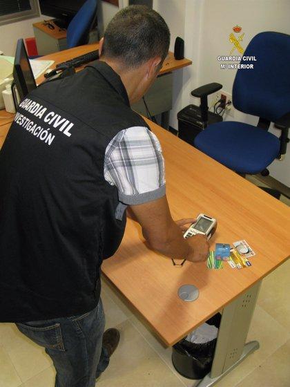Ocho detenidos por estafar 21.300 euros a un banco de Utrera a través de una empresa sin actividad