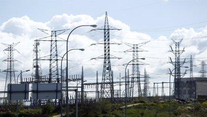 Economía/Energía.- Industria publica los cambios en los planes de transporte eléctrico, con 917 millones de inversión