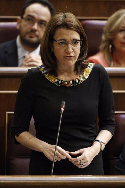 """El PSOE censura que Rajoy vaya a reflexionar sobre reducir aforados en """"la escuela de calor"""" del PP y no en el Congreso"""