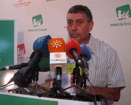 El rival de Maíllo en las primarias de IULV-CA propone 3.000 euros como sueldo tope en la Junta