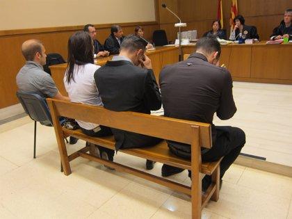 Suspendido hasta febrero el juicio a cuatro miembros de una banda neonazi que incitaba al odio