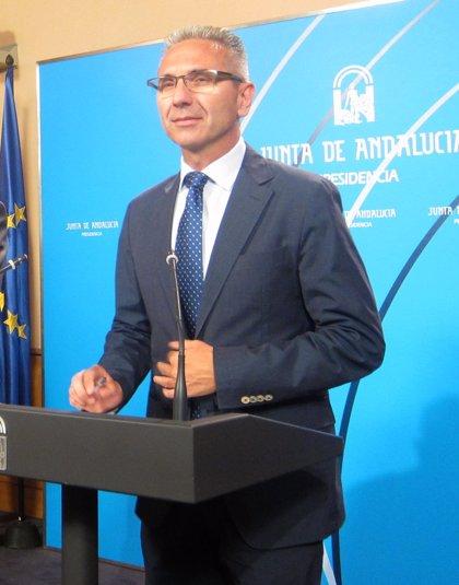 """La Junta pide al PP que """"no tenga la tentación de forzar"""" la elección directa de alcalde con su mayoría absoluta"""