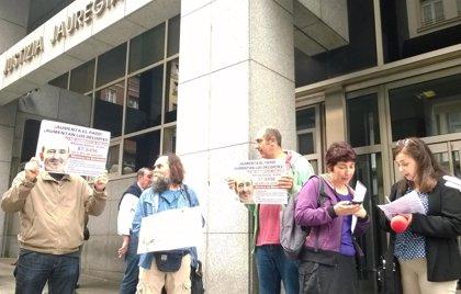 """EL TSJPV prohíbe la concentración de Berri-Otxoak contra los """"recortes"""" frente a la vivienda del alcalde de Barakaldo"""
