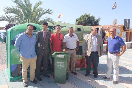 Granada.-Turismo.-Ayuntamiento de Almuñécar y Ecovidrio promueven el reciclado de estos envases en temporada turística