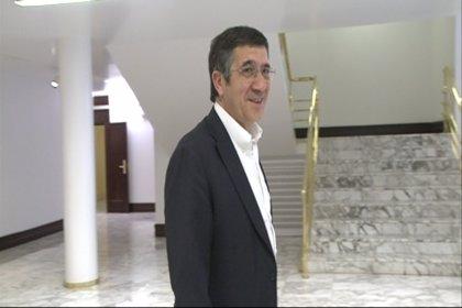 Patxi López pide a Rajoy que predique con el ejemplo antes de hacer propuestas de regeneración democrática