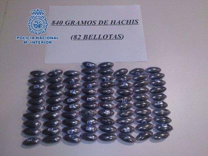 Detenido en la estación de autobuses de Cáceres con 82 bellotas de hachís