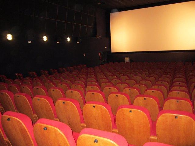 Butacas, cine, pantalla