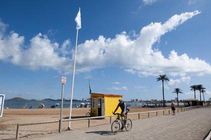 La bandera amarilla ondea en cuatro playas de Águilas, La Unión y Cartagena