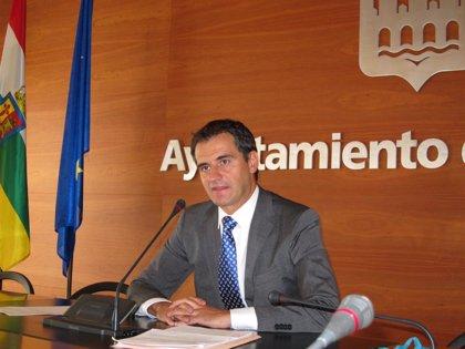 El Ayuntamiento liquida el déficit de explotación del servicio de transporte urbano, correspondiente a 2013