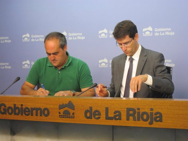 Gonzalo Capellán y Pedro Antonio Montalvo firman el convenio de colaboración