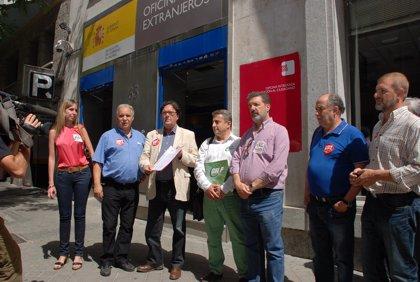 Los sindicatos de funcionarios inician una campaña de movilizaciones para que Montoro les convoque