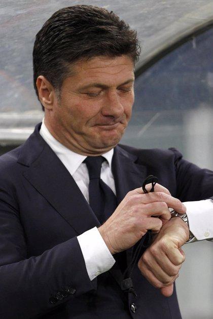 El Inter de Milán renueva al entrenador Walter Mazzarri un año más