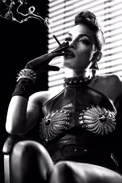 Rosario Dawson, sexy y letal en Sin City 2