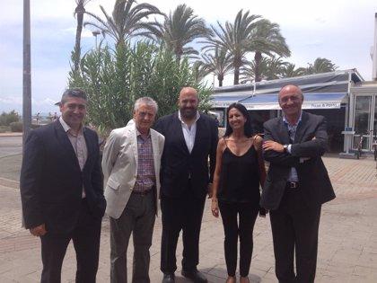 Jaime Martínez visita las zonas de Cala Mayor, Palma y la playa de Palma para conocer cómo se desarrolla la temporada