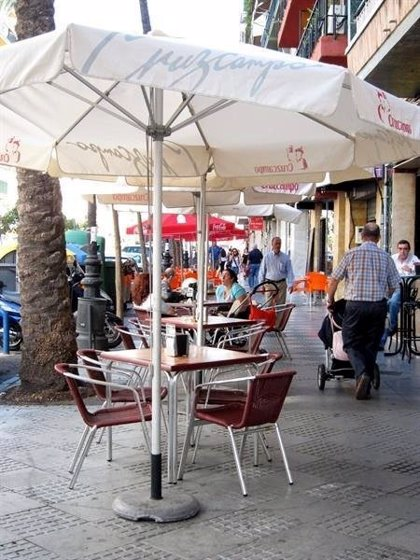 Sindicatos desconvocan la huelga de la hostelería para los días 4 y 5 tras un acercamiento con la patronal