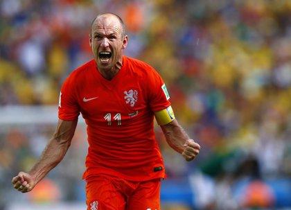 """Robben: """"Dejar el penalti a Huntelaar fue una decisión acertada"""""""