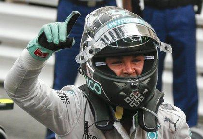 Rosberg se impone en los primeros entrenamientos en Silverstone
