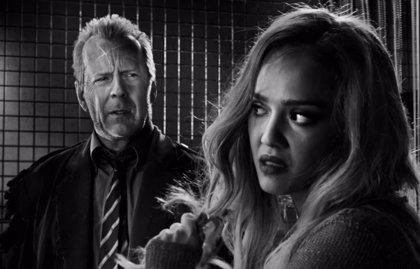 VÍDEO: Jessica Alba enloquece en Sin City 2