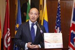 Raúl Canosa, decano de la Facultad de Derecho de la Cumplutense