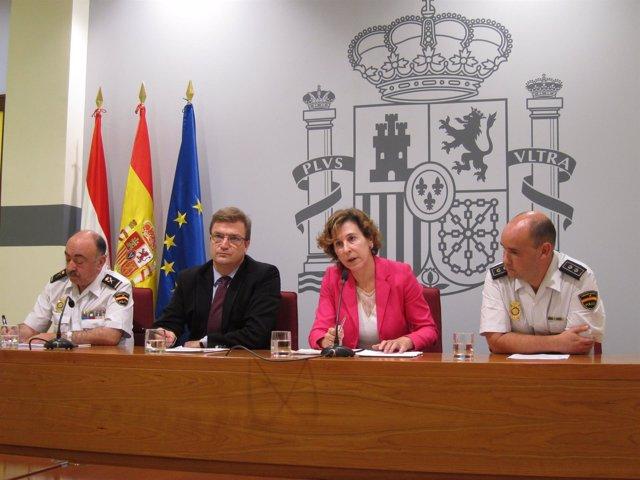 De izquierda a derecha, Mélida, Bretón, Sáenz y Ascaso, en la rueda de prensa