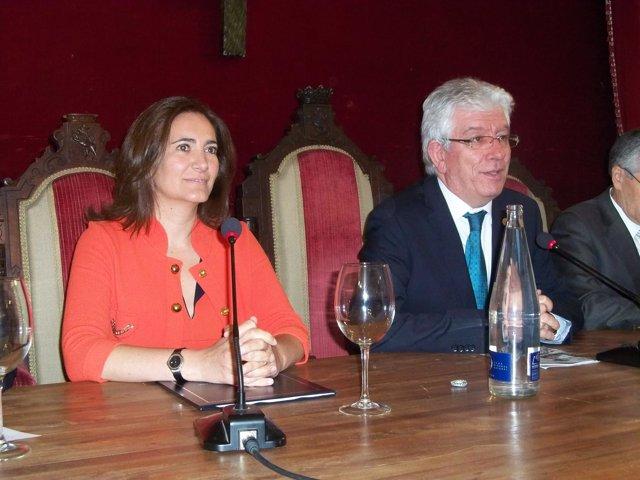 La presidenta de las Cortes de CyL junto al rector de la ULE