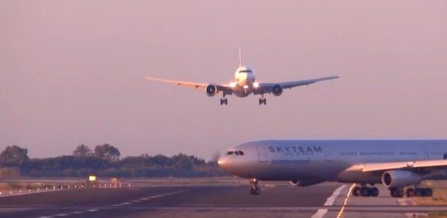 Dos aviones en El Prat Barcelona a punto de chocar