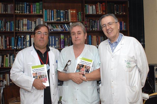 Los autores del libro, los doctores Camino, Ibarra y Pérez Navero