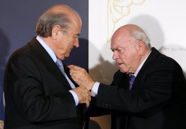 Joseph Blatter y Alfredo di Stéfano