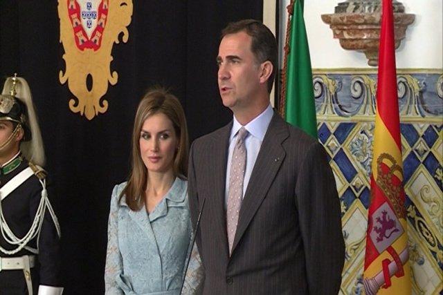 """Reyes renuevan el compromiso """"hombro con hombro"""" con Portugal"""