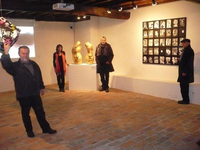 Exposición de Julia y Roberto Orallo