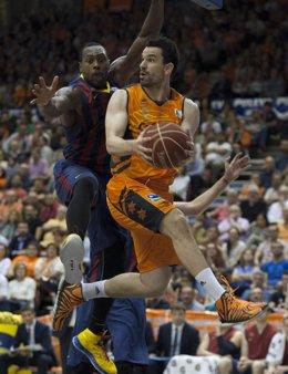 Rafa Martínez y Joey Dorsey en el Valencia Basket - FC Barcelona