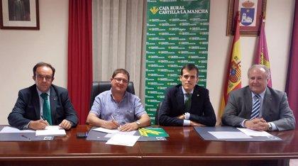 Caja Rural Castilla-La Mancha colabora con el Ayuntamiento de Arcas (Cuenca) para impulsar el desarrollo del municipio