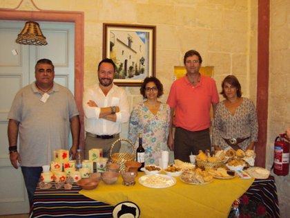 Cabildo de Tenerife expone en Malta el trabajo de la artesanía insular