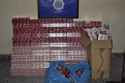 Detenidas tres personas acusadas de contrabando de tabaco