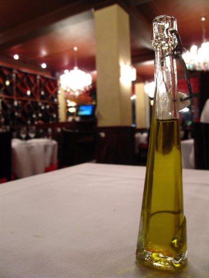 Experto destaca las grasas monoinstauradas y los elementos antioxidantes del aceite de oliva
