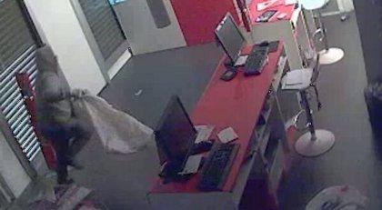 Detenidos los jefes de una banda que robaba en tiendas de móviles