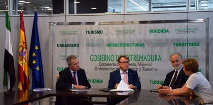 Fomento entrega a Cáritas dos viviendas sociales en Badajoz para desarrollar sus programas de Inclusión Social