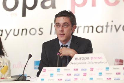 Madina cree que Rajoy debe hacer cumplir la ley y la consulta no puede celebrarse como está planteada