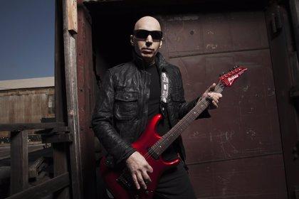 """Joe Satriani: """"Las nuevas generaciones de guitarristas no tienen atención mediática"""""""