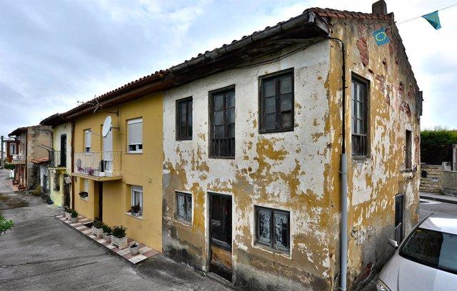 Edificio de la calle Arriba del que se ha iniciado el expediente de ruina