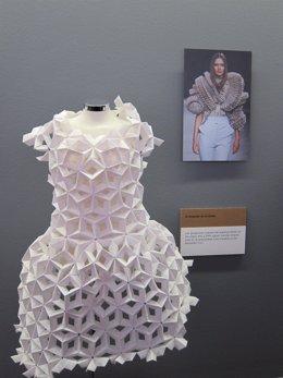 Vestido de papel en el Museo del Origami de Zaragoza