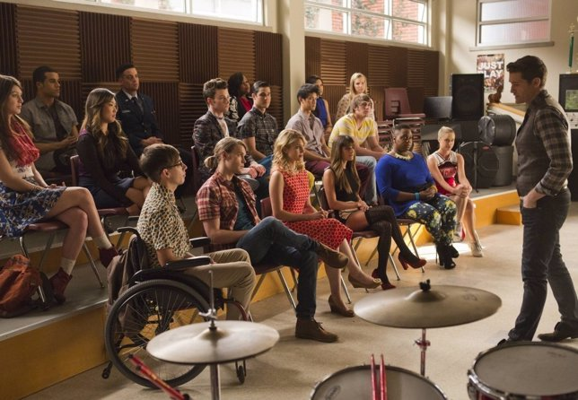 Glee celebra su episodio 100