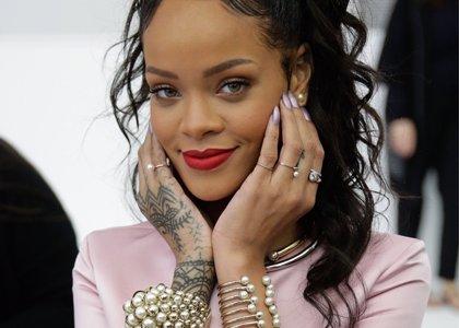 Rihanna celebra con los jugadores alemanes la victoria en el Mundial